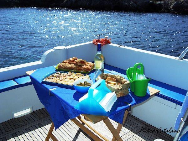 Aperitivo abordo della barca